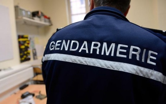 Un gendarme de dos / Photo DR