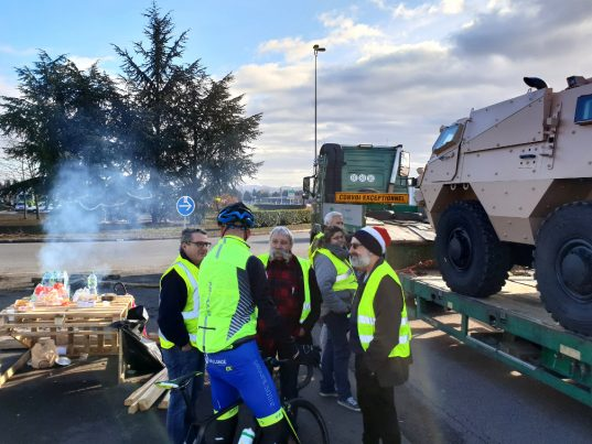 gilets-jaunes-mably-2